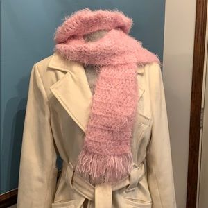 Gorgeous silky pink hat & scarf 🧣